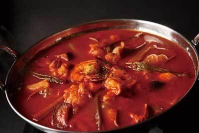 注文ごとに30分煮込む/DINNER tomato