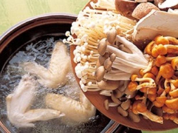 きのこは好みのものを使って。いろいろな種類のきのこを使うほど、複雑な味わいになっておいしい