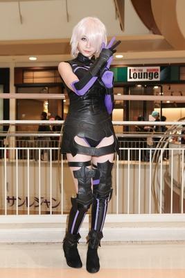 「Fate/Grand Order」のマシュ・キリエライトに扮したねこぱなさん