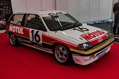 3代目シビック(通称、ワンダーシビック)をベースとして、1987年の全日本ツーリングカー選手権を席巻した無限MOTULシビック