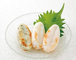 チーズ、えび、しそ味の3種類の味が楽しめるミニサイズの笹かま詰め合わせ「馬上かまぼこ 笹ごのみ」(8枚入り751円)