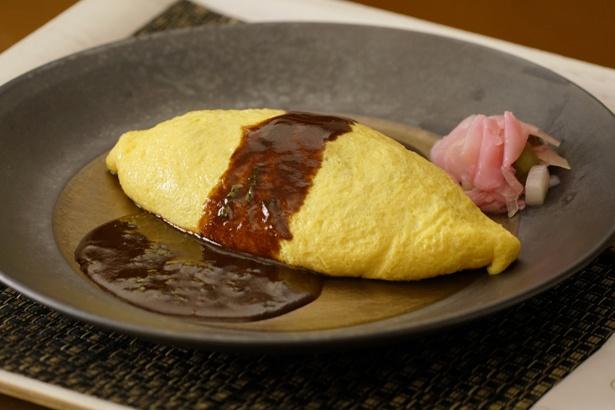 1・ワフワの卵、トロリとしたソースが特徴的な「オムライス」