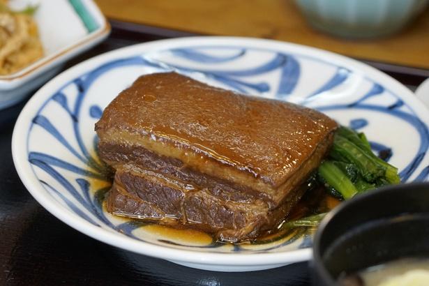 20・豚肉をじっくり煮込んで味がしみ込んだ「豚の角煮」