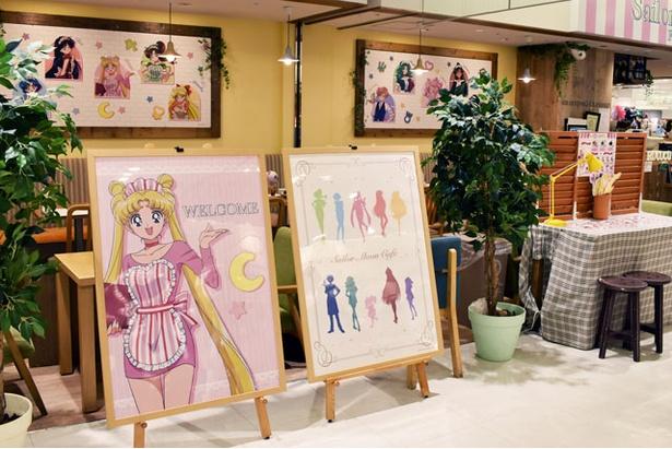 エプロン姿で描かれたキュートなキャラクターたちのイラストが見られるのは、コラボカフェだけ!