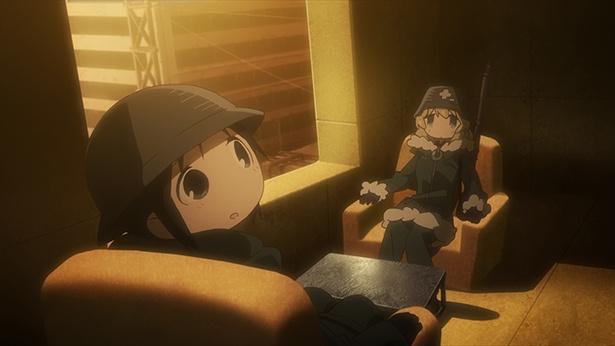 「少女終末旅行」第5話の先行カットが到着。チトとユーリの理想の部屋とは?