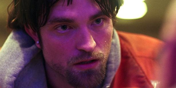 『トワイライト』シリーズのヴァンパイア役で世界中の女性を虜にしたパティンソンが銀行強盗のクズ野郎を演じる