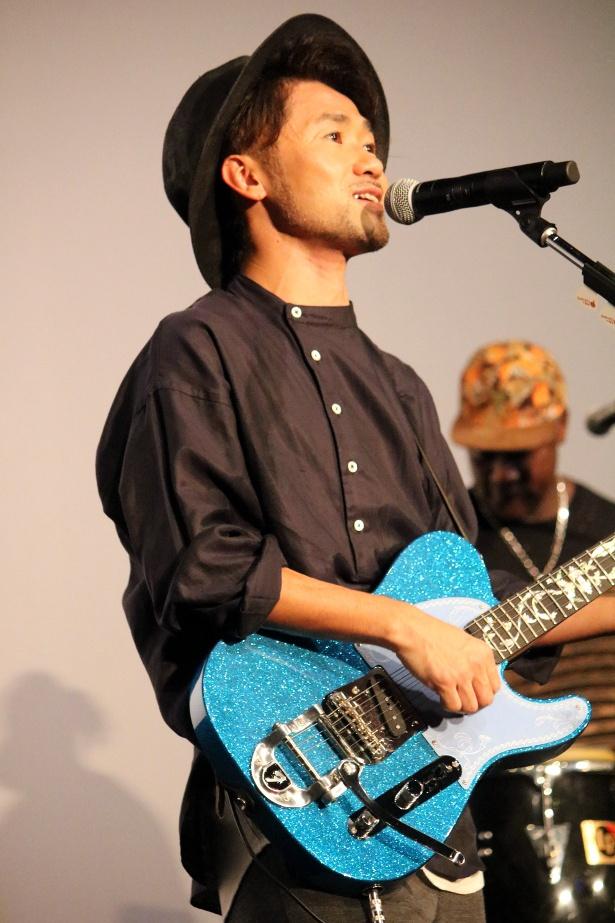 【写真を見る】ナオト・インティライミがサプライズで主題歌を熱唱!