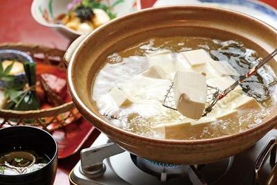秋の京都で湯豆腐を食べてぽかぽかしよう♪