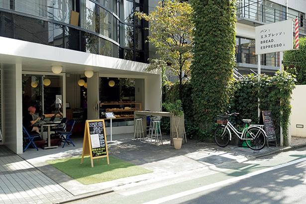 カフェスペースで食べられる「鉄板フレンチトースト」はイチオシ