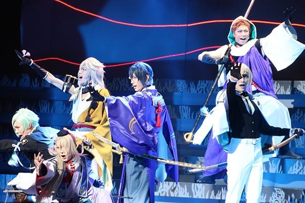 刀剣男士たちが闘い、歌い、舞う
