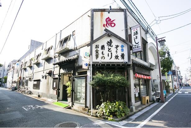 店は「箱崎公民館」前。住宅街の一角にたたずむ看板を目印に