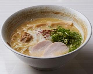 「濃厚鶏白湯そば」(780円)/濃厚鶏そば 麺屋武一 神戸本店