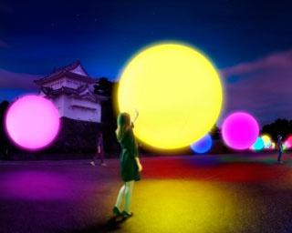 """チームラボが名古屋城を彩る!幻想的な""""光の球体""""が出現"""