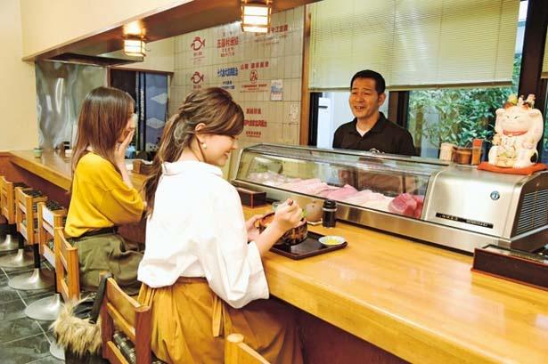 カウンター席がおすすめ/旬の漁師料理 和泉