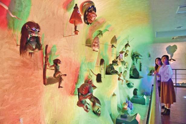 43体の妖怪が迎える妖怪洞窟/水木しげる記念館