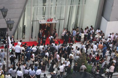銀座店オープン時には5000人が行列
