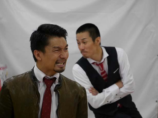 円盤ライダー・渡部将之(左)