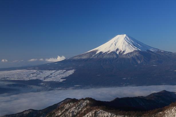 山頂からは、裾野まで一望できる富士山を 独り占め