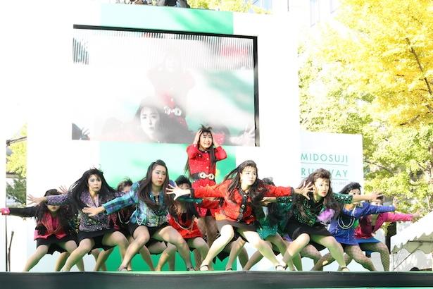 バブリーダンスで話題騒然の登美丘高等学校ダンス部がキレッキレのダンスを披露