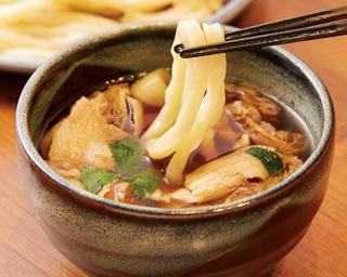 武蔵野の郷土食・肉汁うどんを自家製麺でいただく「つけ汁(肉)地粉うどん」(750円)