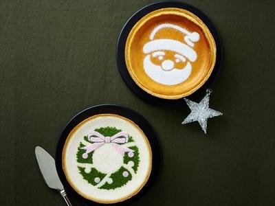 「クリスマス デンマーククリームチーズケーキ」(上)、「クリスマス マスカルポーネチーズケーキ」(下)