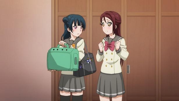 「ラブライブ!サンシャイン!! TVアニメ2期」第5話のカットが到着。善子、子犬との出会いは運命の導き!?