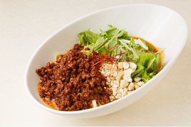 「汁なし担々麺」(850円)。ゴマ油と山椒の風味が強烈な一杯