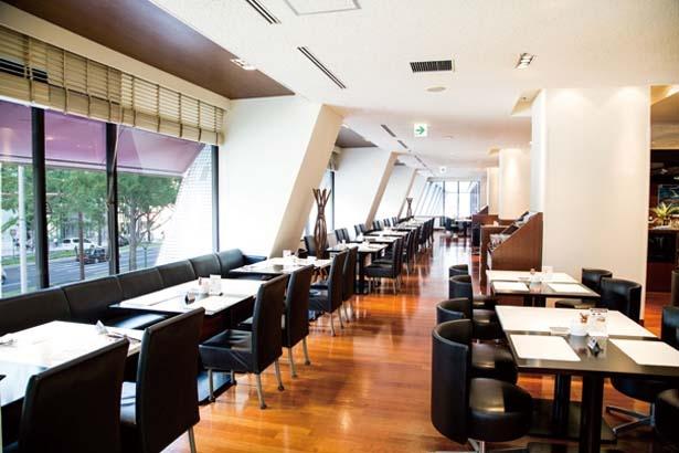 2階にあるカフェレストラン セリーナ/ホテル日航大阪