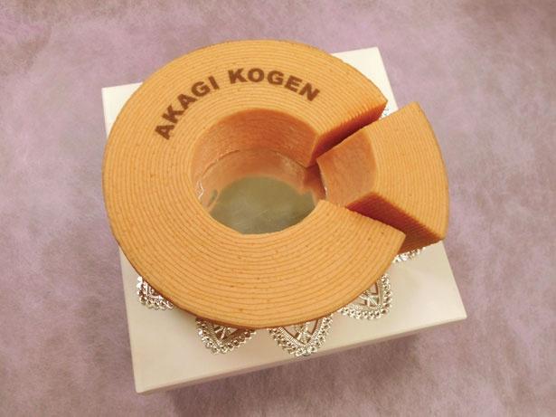 「恋する果実プレミアムバウムクーヘン」(1296円、1ホール・直径約14cm)