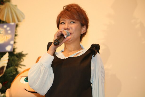 ムーミンママなどの13役を務めた声優の朴璐美