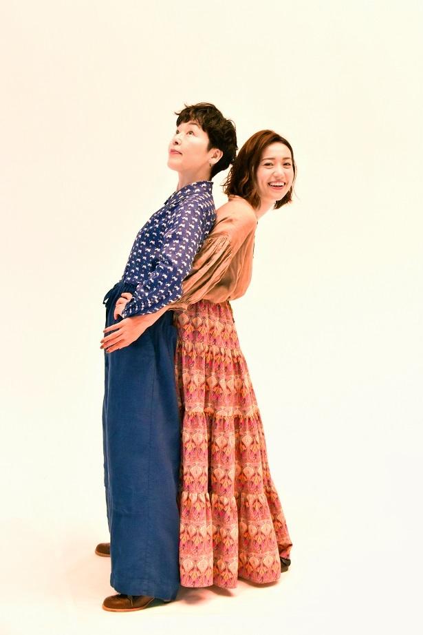 【写真を見る】小林聡美・大島優子仲良しショット披露!