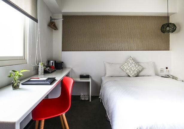 デザイン性に富んだ客室には、無線LANやVOD放送なども完備