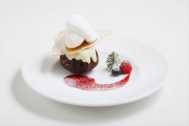 オーストラリアのクリスマス菓子をフォンダンショコラに仕上げた「スノーフォンダンショコラ」(税抜800円)