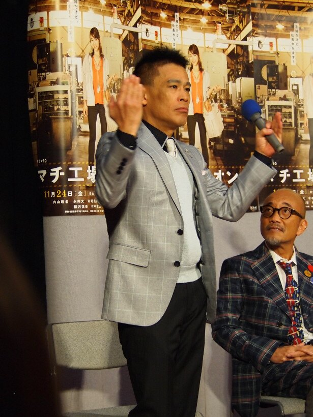 「エレベーターが閉まると笑顔がなくなる」という永井大のオフの様子を再現する柳沢慎吾