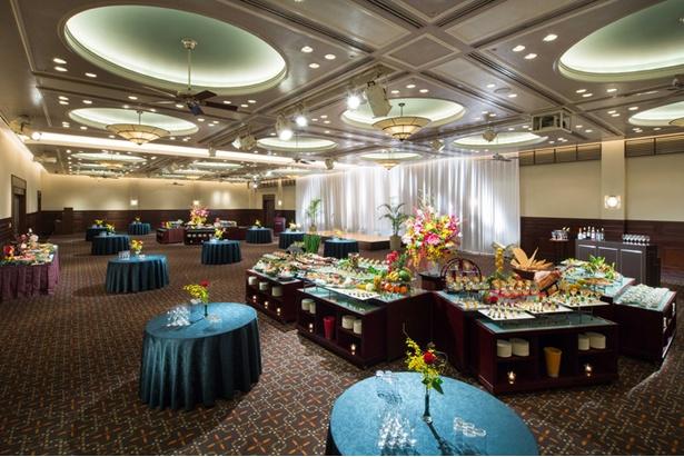 本イベントはホテルらしい上品な空間での立食パーティ形式で行われる
