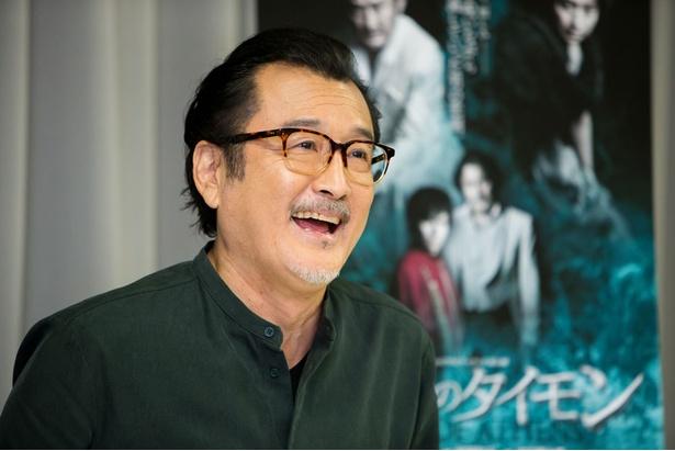 14年、NHK連続テレビ小説「花子とアン」の出演以降、全国区の人気に