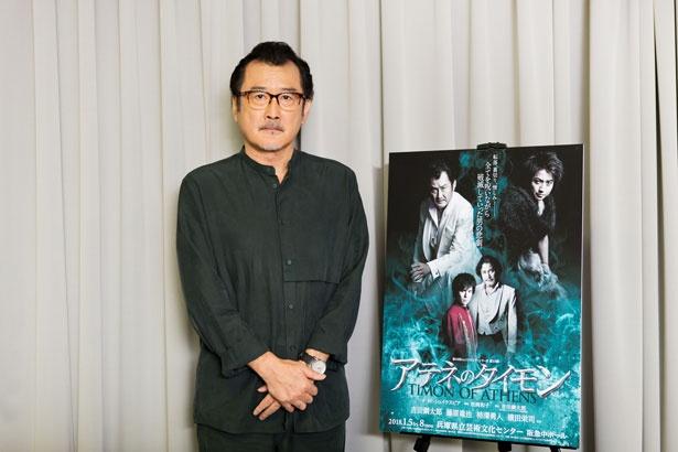 蜷川作品で舞台を共にしてきた、藤原竜也、横田栄司に加え、若手実力派の柿澤勇人も出演