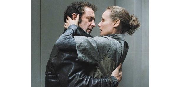ダイアン・クルーガー扮する美しい妻を、ヴァンサン・ランドン扮する夫ジュリアンは救えるのか!?