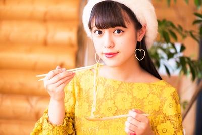 人気連載「SKE48のふぅふぅ女子♥」のスピンオフ企画として、「メンバーとおいしいラーメンを食べた~い♥」を勝手に妄想しちゃいました!今回の彼女はチームK2の竹内彩姫ちゃん♪