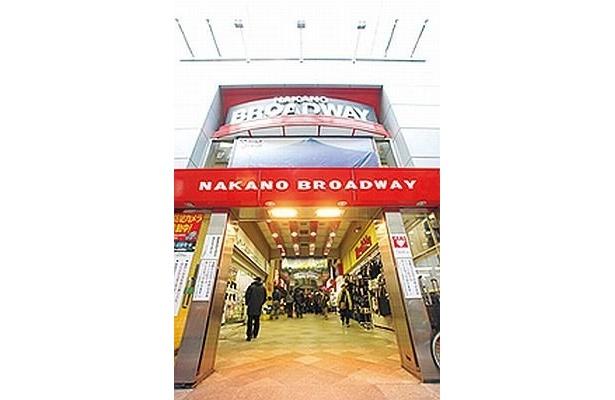 「中野ブロードウェイ」は、 店舗・住居の複合マンショ ンとして1966年に誕生した