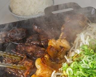 フォーリンデブはっしーは肉のスペシャリストとして、全国を巡るグルメエンターテイナーだ。