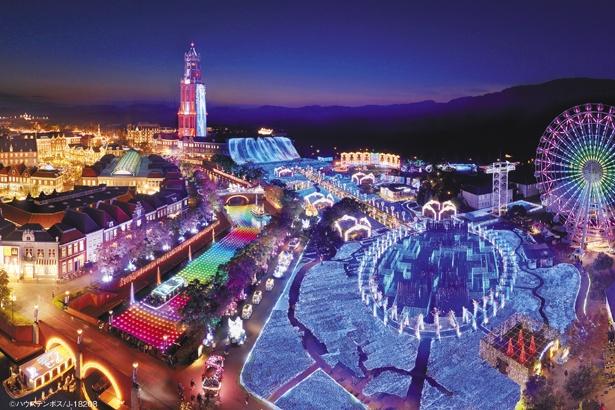 【写真を見る】長崎県・ハウステンボス「光の王国」。ヨーロッパの街並みに輝く、世界最大1,300万球のイルミネーションは圧巻のひと言