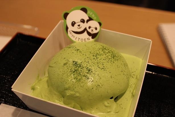 松坂屋上野店でしか食べられない「抹茶ミルククリームパンケーキ」(579円)