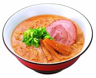 食欲をそそるこってりスープの「赤ラーメン」