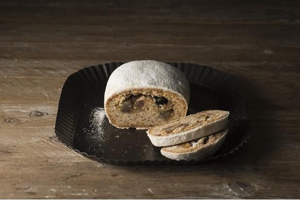 芋焼酎に漬け込んだマロングラッセが入った本品は大人の味わい