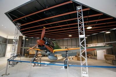 零式艦上戦闘機、略して「零戦」の実機展示も必見