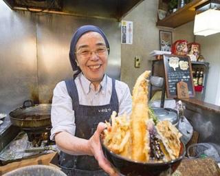 550gもの重さが特徴の「バラ丼肉盛り」(1,004円)
