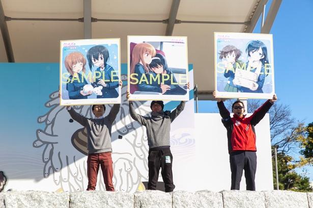 最終章第1週目の特典は、島田フミカネ先生の描き下ろし色紙3種。イラストは本イベントが初公開