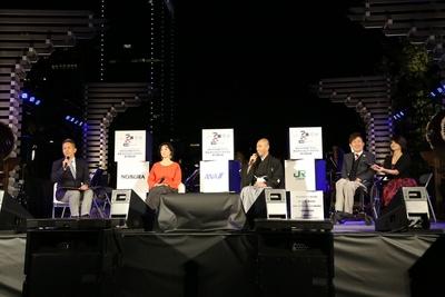 第一部では宮本亜門、市川海老蔵、草刈民代、澤邉芳明によるトークセッション