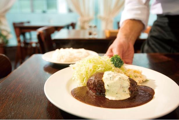 「プクプク亭特製ハンバーグ」(1,280円)。合挽き肉に牛タンミンチを加え、しっかりした食感が特徴